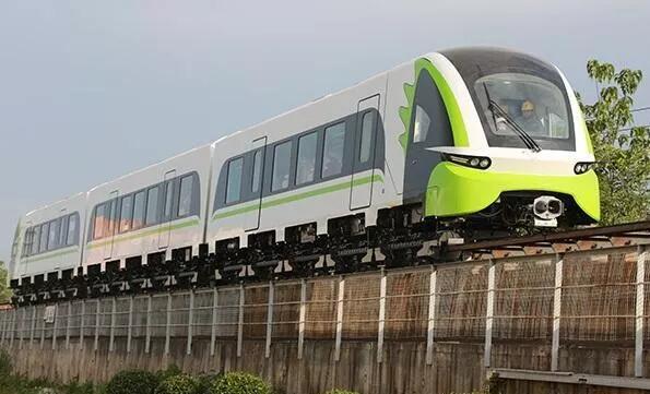 速度最高的高速列车整车碰?#24425;?#39564;成功